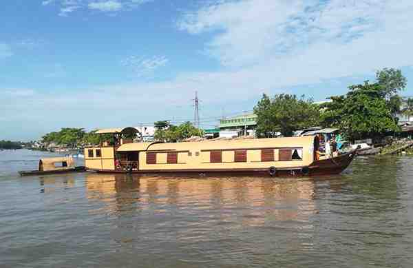 Song Xanh Sampan Cruise
