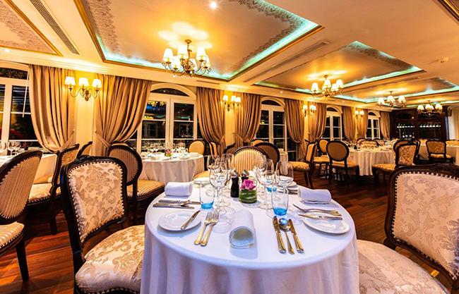 Navigator Cruise Restaurant