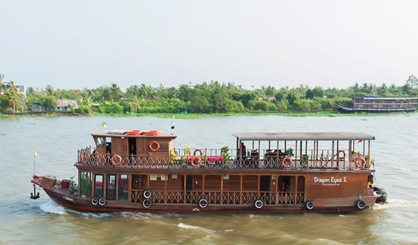 Dragon Eyes cruise boat $tour['alt1'] : $tour['name']}}